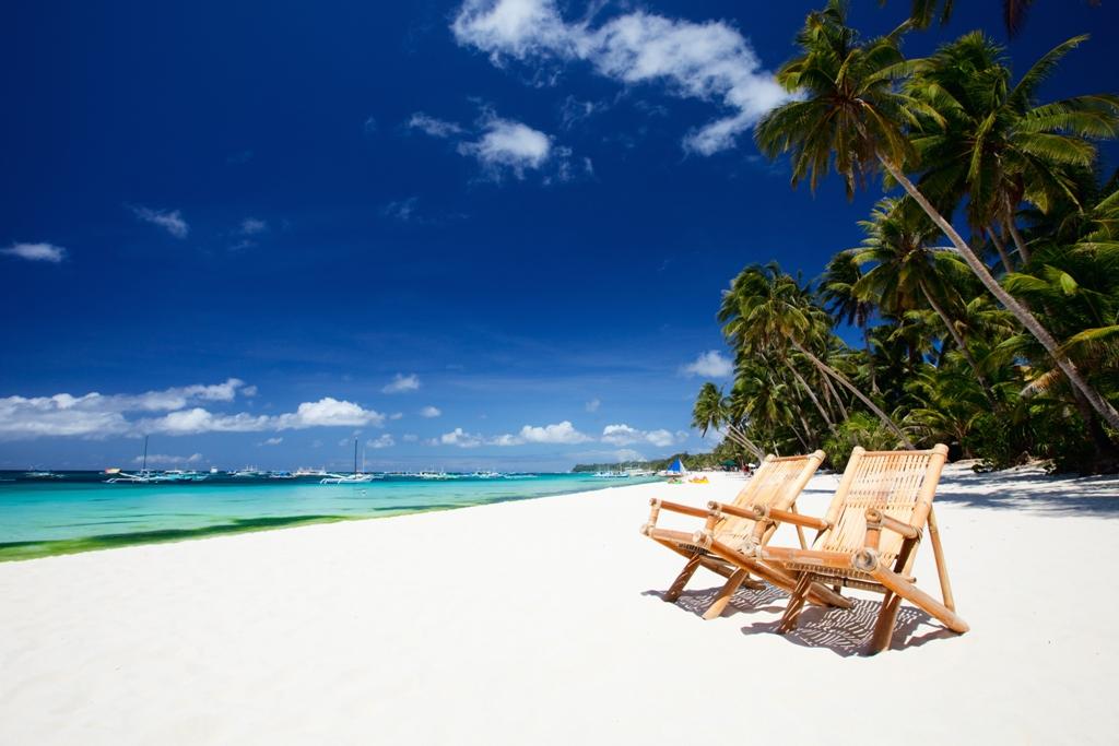 http://randomrepublika.com/wp-content/uploads/2014/04/white_beach1-2.jpg