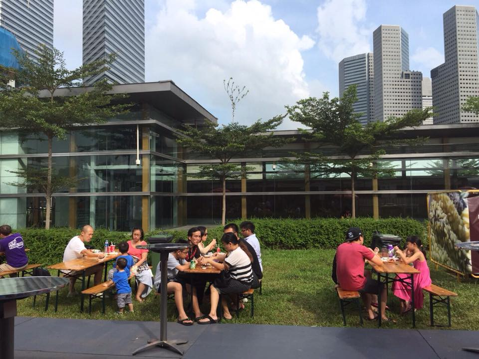 picnic tables at world streetfood congress 2015 singapore