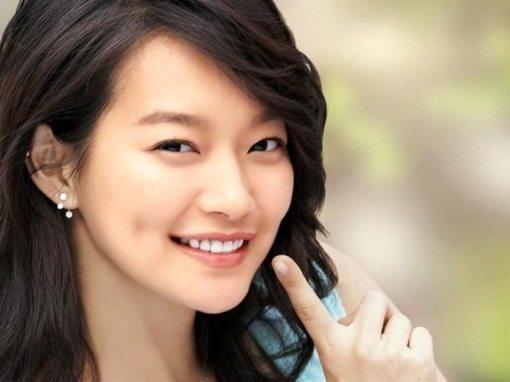 Shin Minah dimple