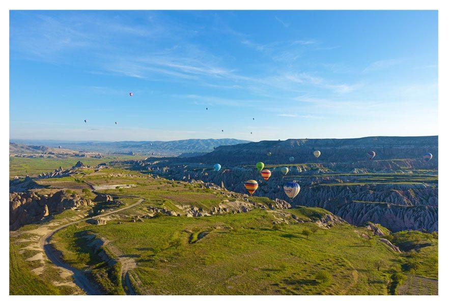 hot air balloon cappadocia turkey goreme national park voyager balloons