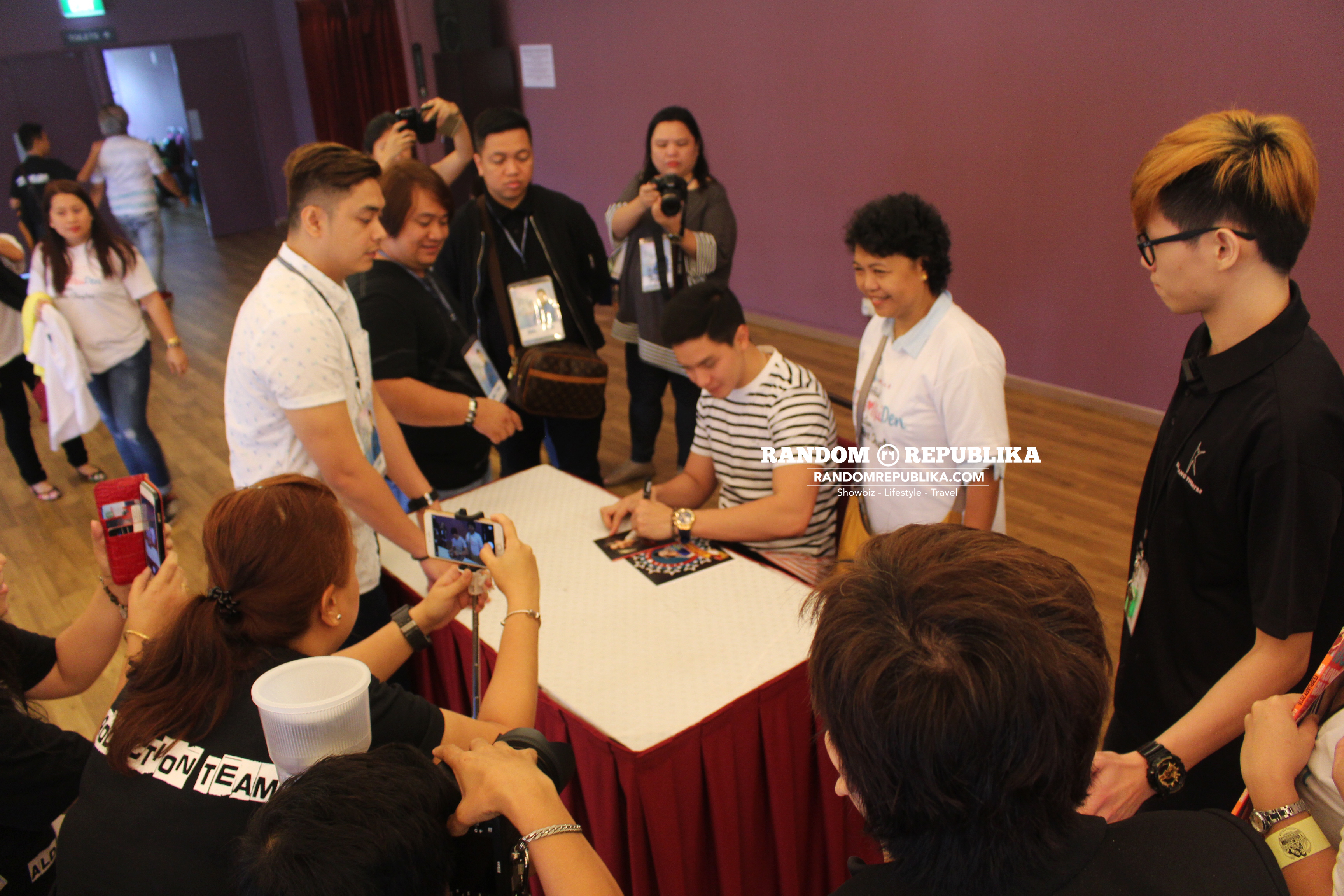 alden richards signing meet and greet in singapore