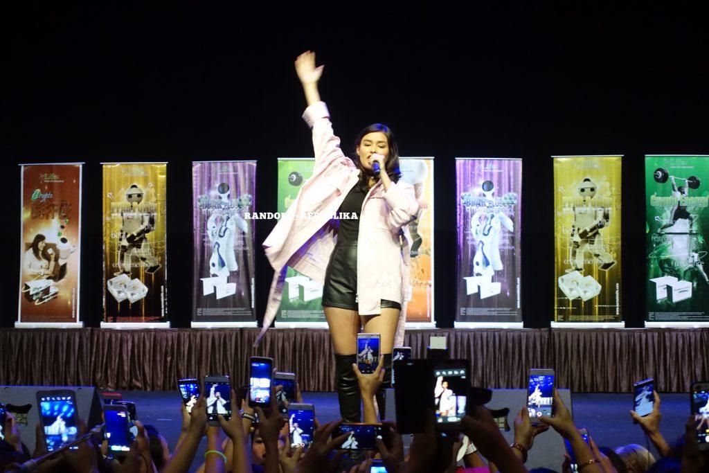 liza soberano dancing lizquen live in singapore
