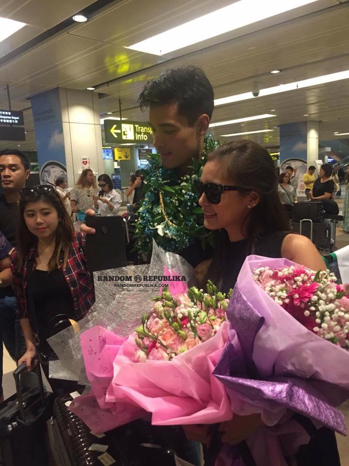 Kim Chiu Xian Lim KimXi A FUNtasy Date with Kim & Xian Arrival Singapore Changi Airport 2