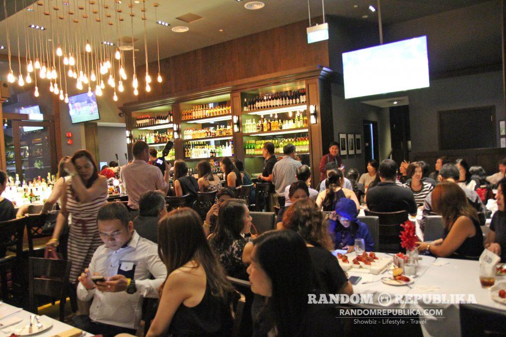 kimxi kim chiu and xian lim welcome dinner in singapore funtasy concert at suntec 5