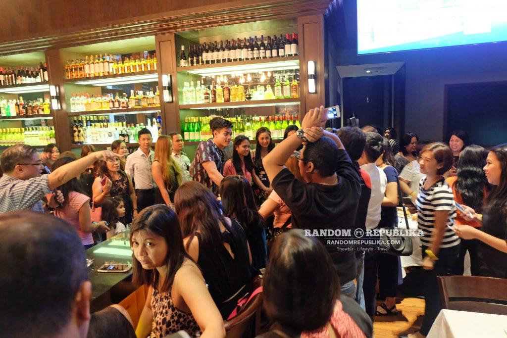 kimxi kim chiu and xian lim welcome dinner in singapore funtasy concert at suntec fans