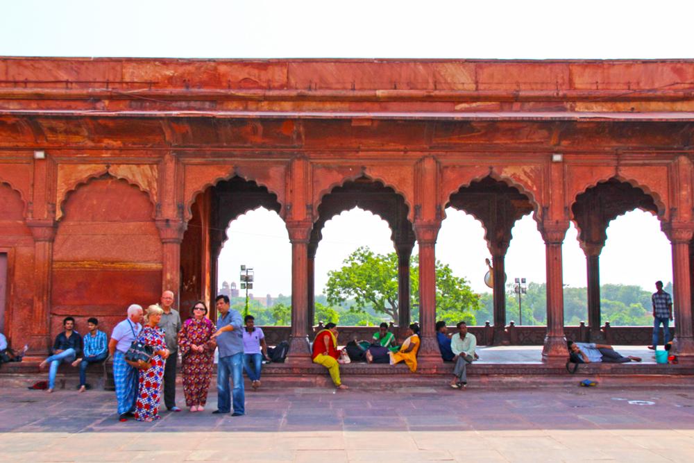 muslim-mosque-delhi-jama-masjid-tourists