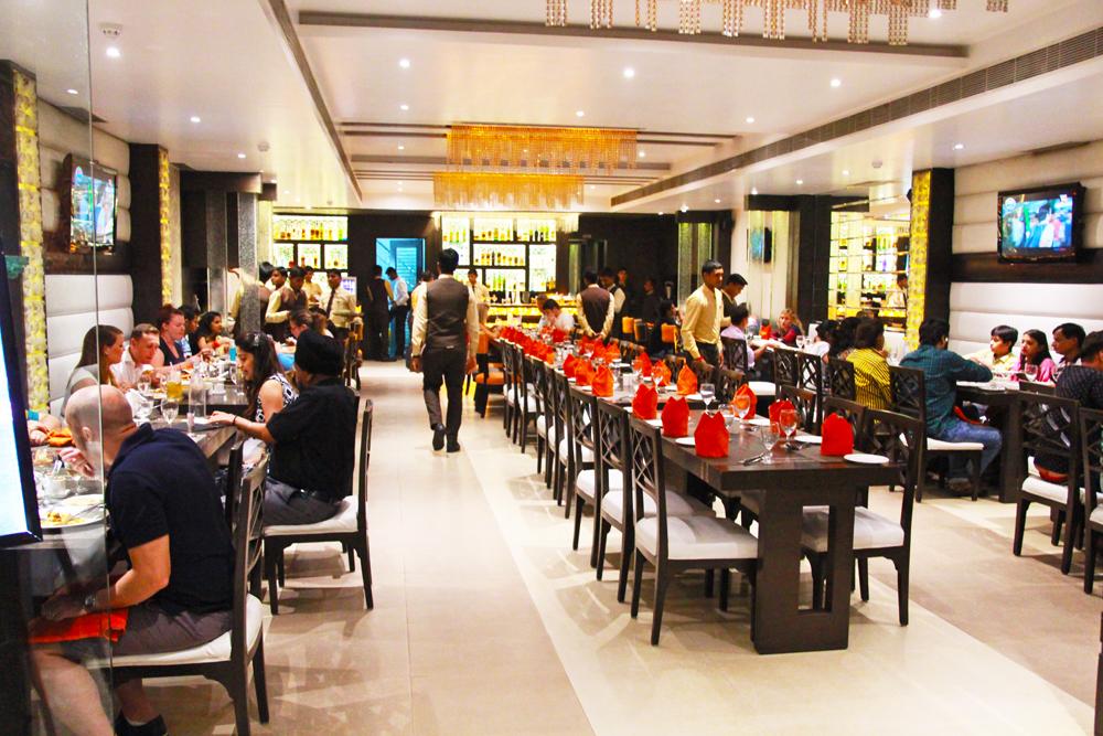 pinch-of-spice-agra-interiors-restaurant-punjabi-best-restaurant-in-agra