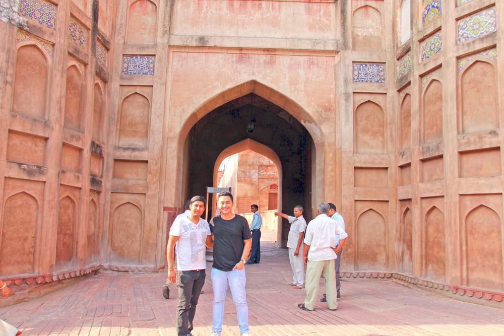ravishing-india-concierge-rajat-with-blogger-paolo-random-republika
