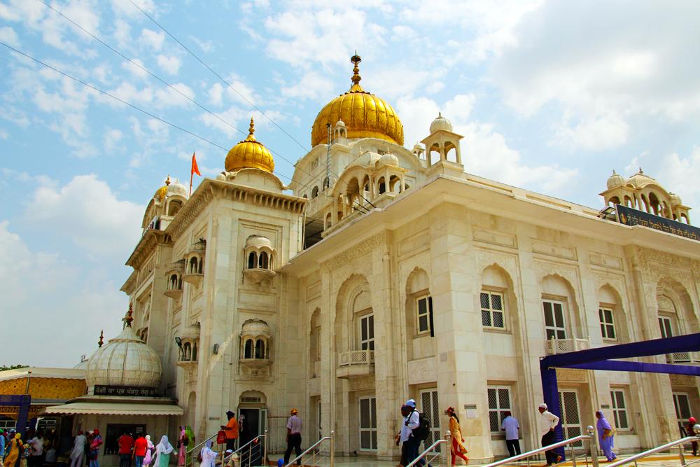 sikh-temple-gurudwara-bangla-sahib-house-of-worship-delhi