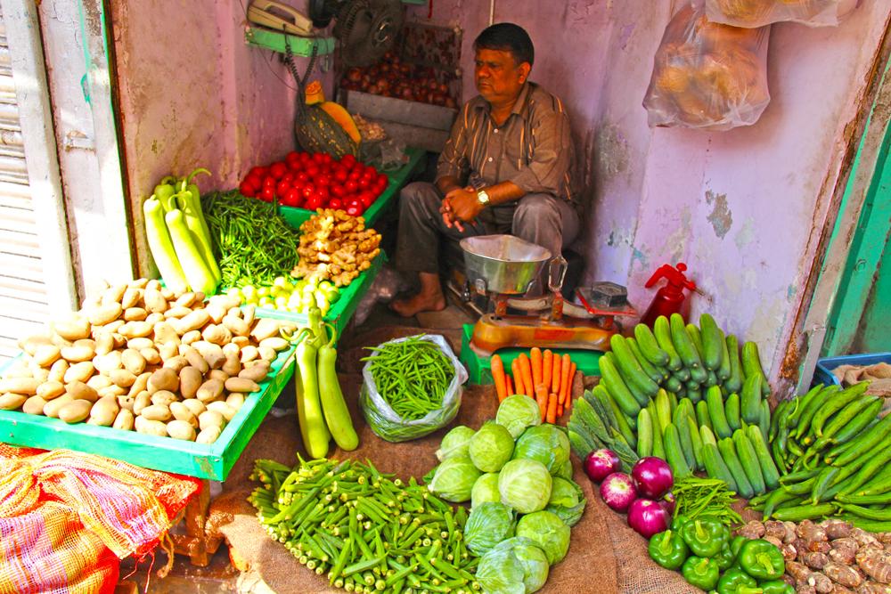street-vegetable-vendor-chandni-chowk-delhi-india