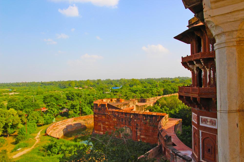 yamuna-river-red-fort-view-of-taj-mahal-agra-india