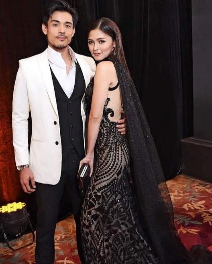 kim-chiu-and-xian-lim-at-star-magic-ball-2016-black-gown