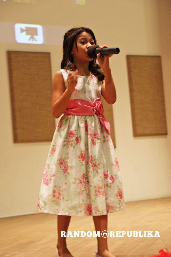 lyca-gairanod-singing-in-singapore-mor-live-in-singapore-nexus-auditorium-filipino-celebrity