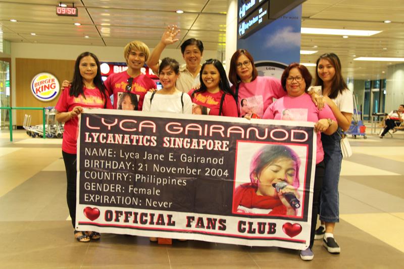 lycanatics-singapore-lyca-gairanod-fans-in-airport