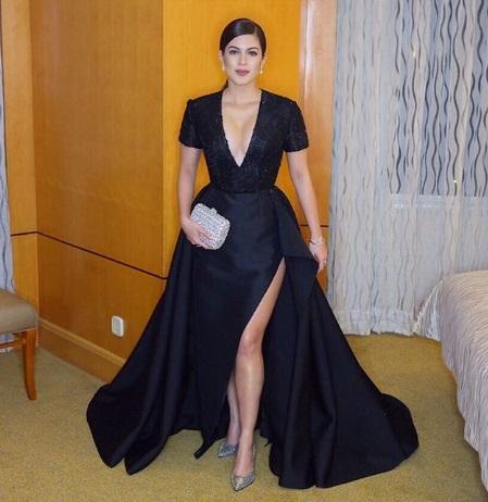 shaina-magdayao-black-gown-star-magic-ball-slit-2016