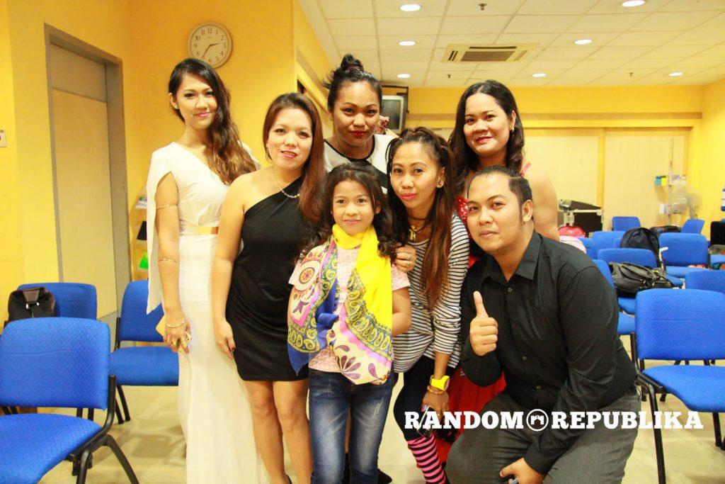 singing-contestants-singapore-singphil-with-lyca-gairanod
