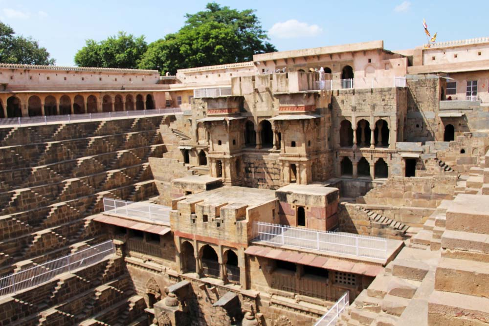 chand-baori-ancient-rajasthan-stepwell-ancient-india-jaipur-rajasthan-people-face-of-indian-batman-film-location-hindu-carving