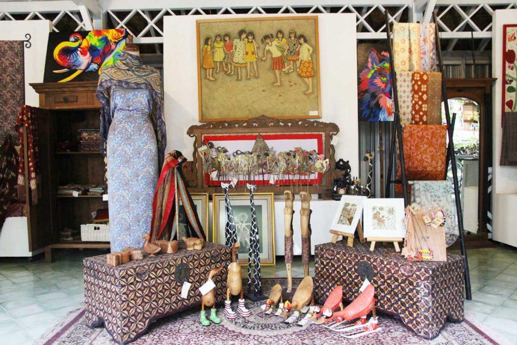 dusun-jogja-village-inn-art-gallery-shopping-yogyakarta-indonesia
