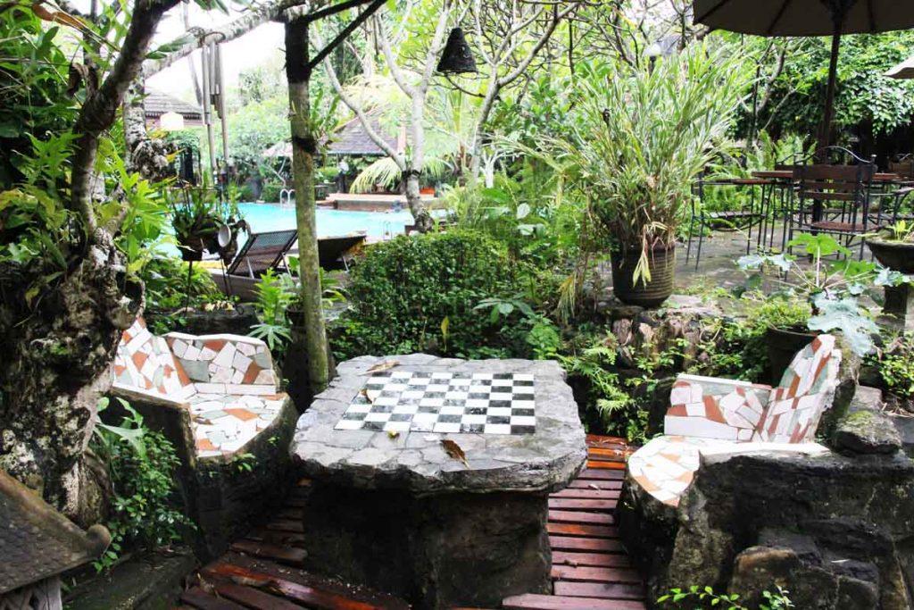 dusun-jogja-village-inn-outdoor-garden-shopping-yogyakarta-indonesia