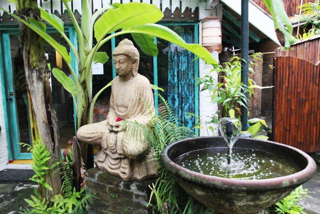 dusun-jogja-village-inn-outdoor-garden-yogyakarta-indonesia