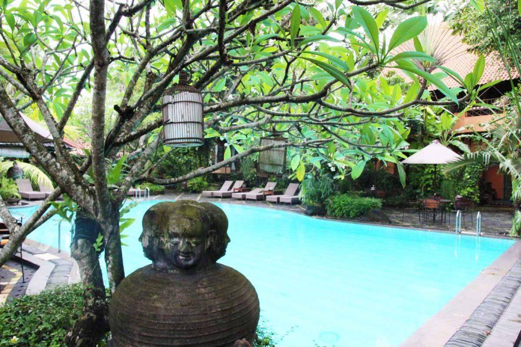 dusun-jogja-village-inn-swimming-pool-art-relic-yogyakarta-indonesia