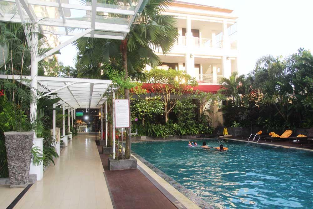gallery-prawirotaman-hotel-yogyakarta-indonesia-swimming-pool-building-jogja