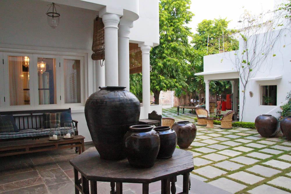 jobner-bagh-garden-area-lobby-jaipur-india